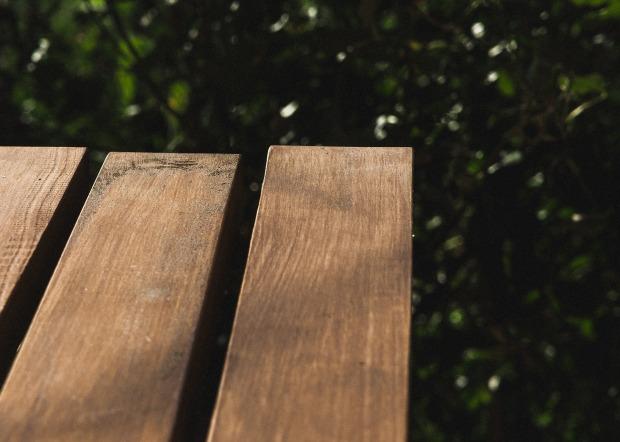 bench-933063_1920
