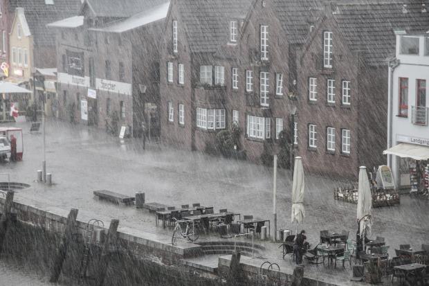 rain-1479303_1920